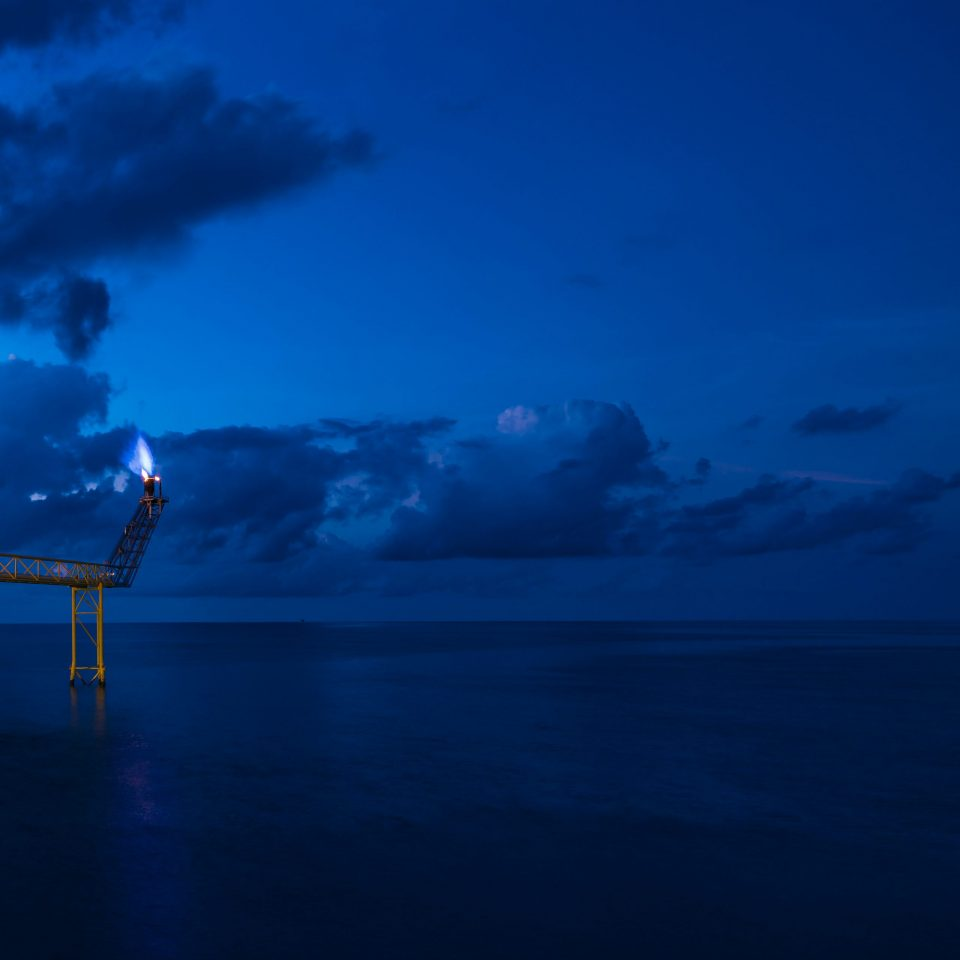 Energy market scenarios of oil and gas companies - an analysis of the climate strategies and long-term scenarios of 14 international oil and gas companies – Non-technical summary (APRIL 2021)